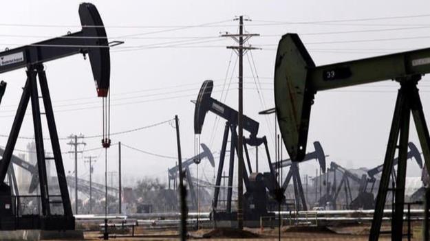 افزایش بهای طلای سیاه در پی محدودیت عرضه نفت خام آمریکا